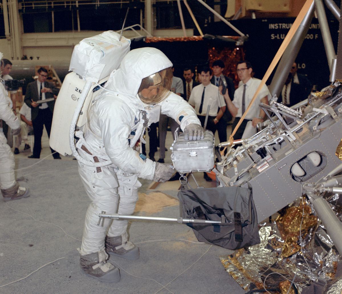 via Gizmodo: Real Apollo 11 Training Photos Look Like Prep ...