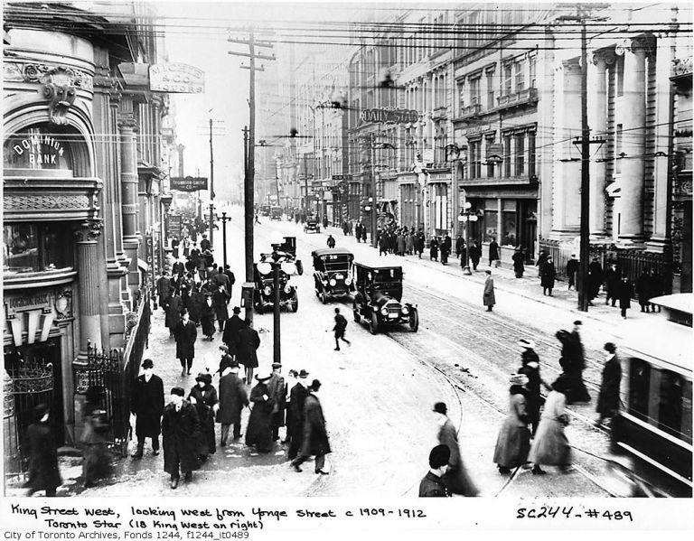 1909-king-w-from-yonge